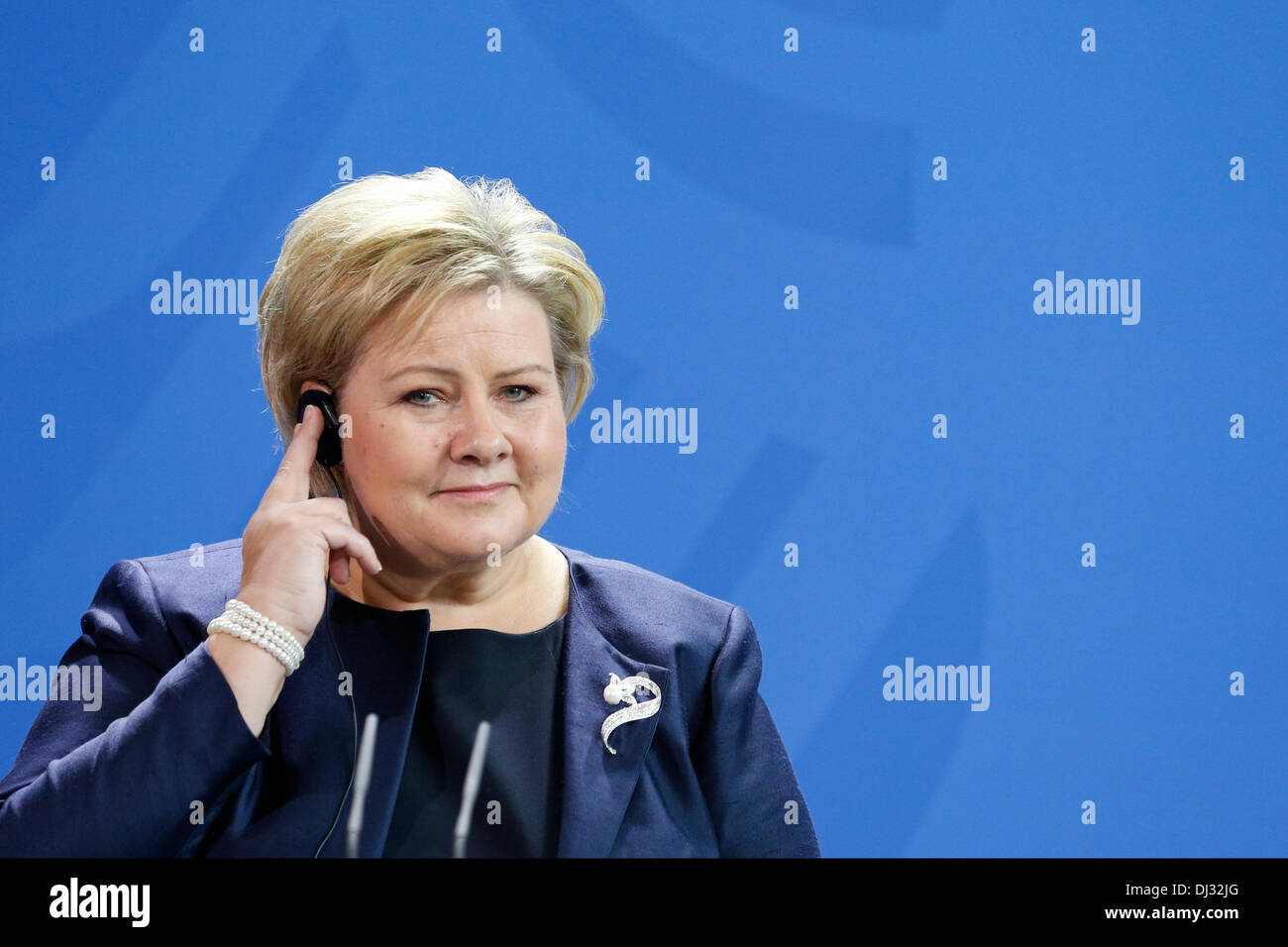Berlin, Germany. November 20th, 2013. Angela Merkel, German Chancellor, receives Norwegian prime minister Erna Solberg (Conservative Party), at the Chancellery in Berlin. / Picture: Norwegian prime minister Erna Solberg (Conservative Party),  speaks at press conference in berlin. Credit:  Reynaldo Chaib Paganelli/Alamy Live News - Stock Image