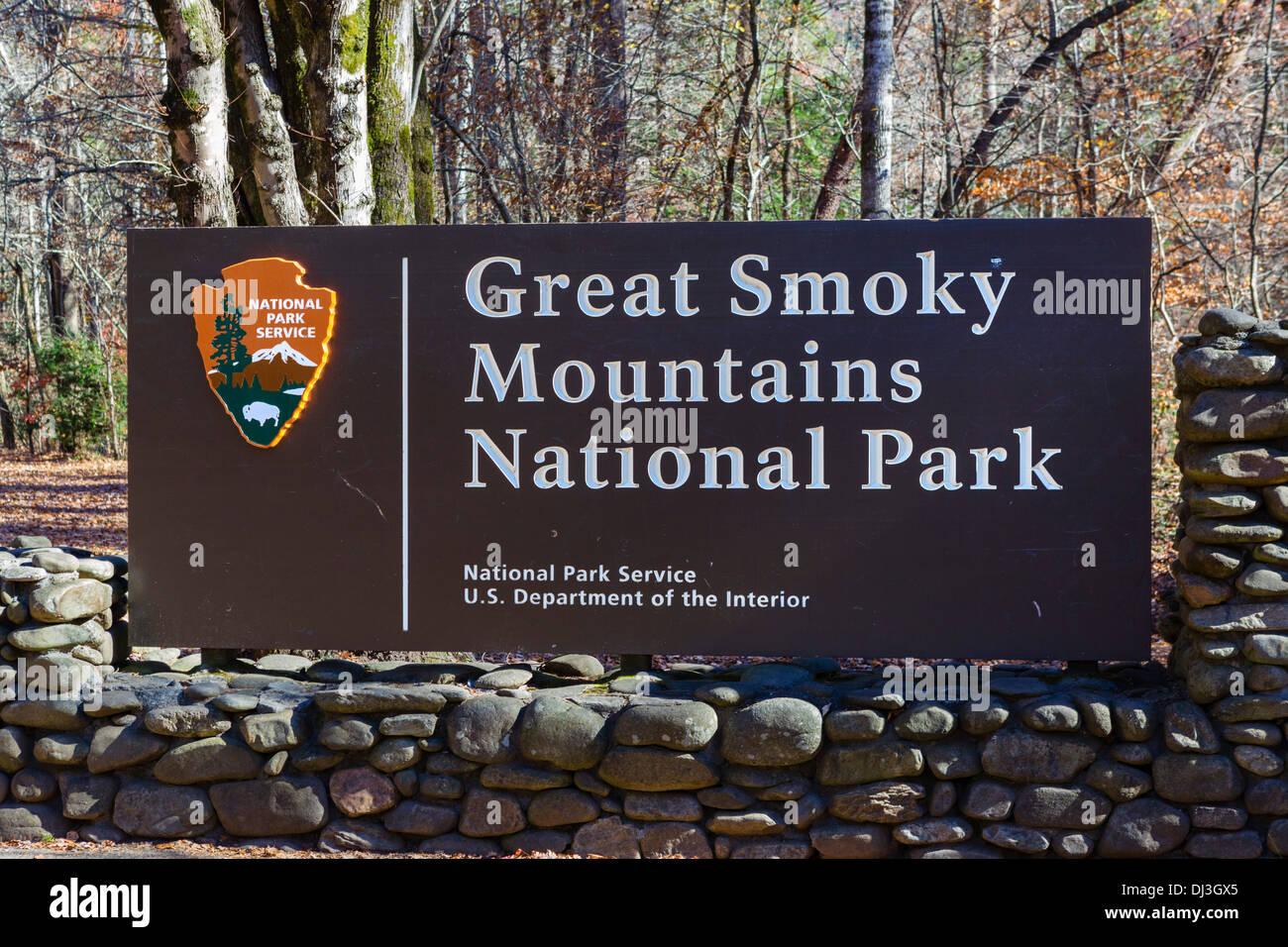 Entrance sign to Great Smoky Mountains National Park, near Cherokee, North Carolina, USA - Stock Image