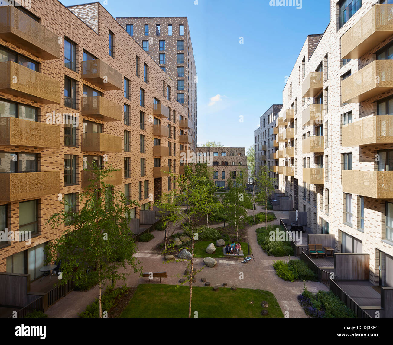 Apt Complex: ST ANDREW'S APARTMENT COMPLEX BROMLEY-BY-BOW, London