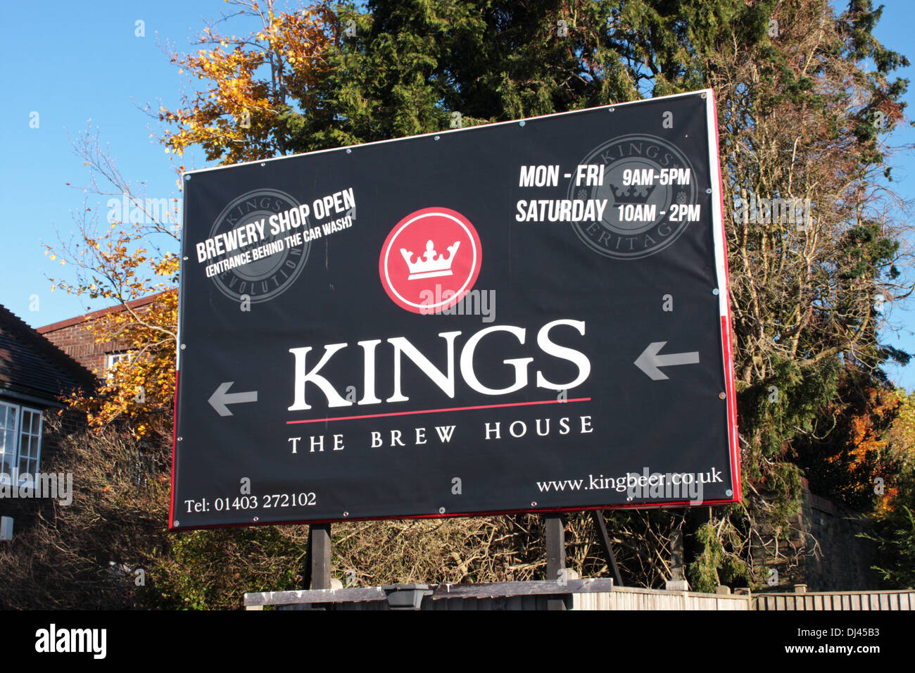 Sign showing the direction to the Kings Brew House Horsham West Sussex UK - Stock Image