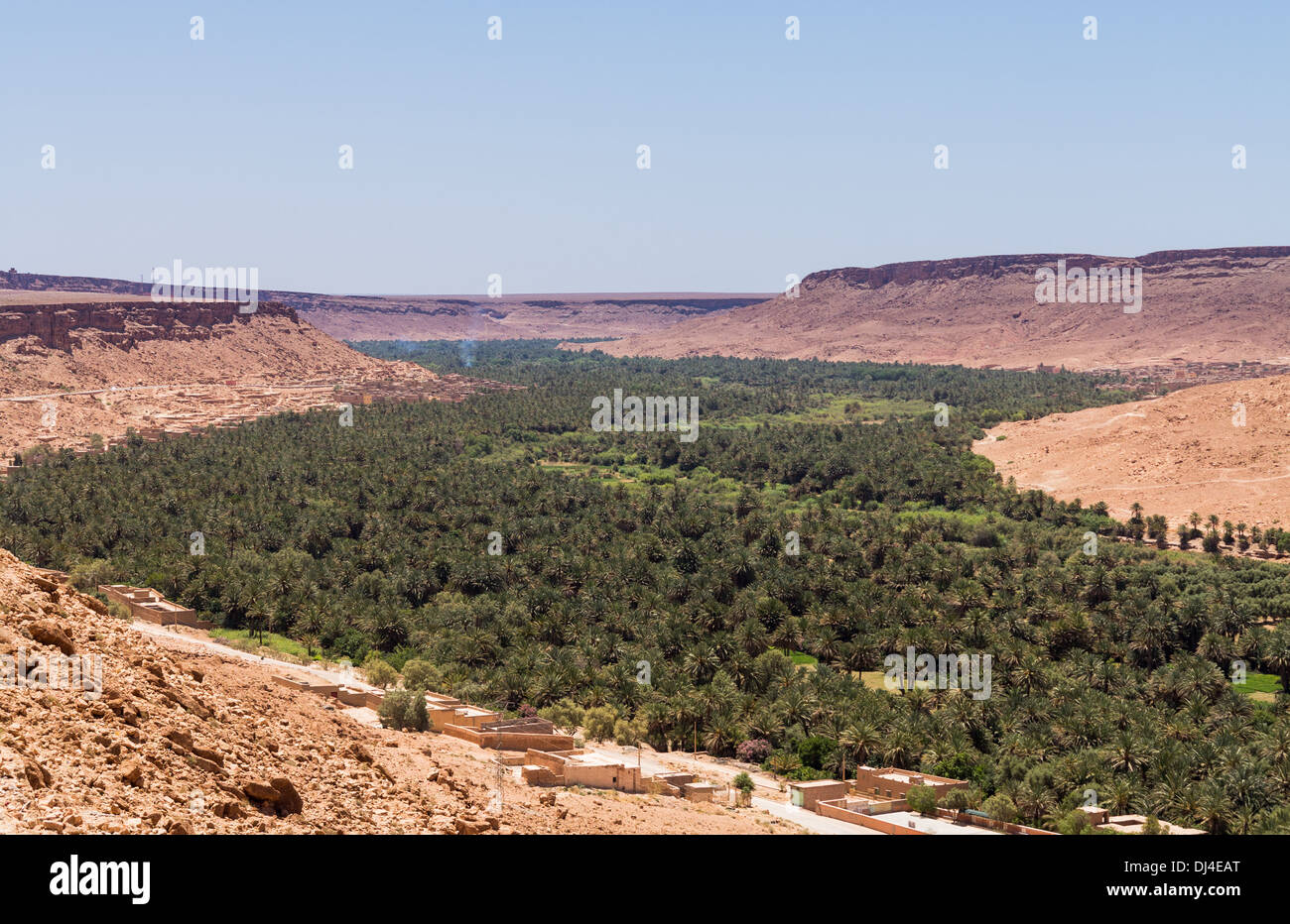 Ziz River valley at the town of Aoufous, in Errachidia Province, Morocco, Africa - Stock Image