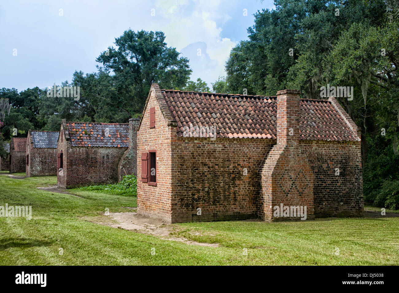 Slave houses at Boone Hall Plantation in Charleston, South Carolina - Stock Image