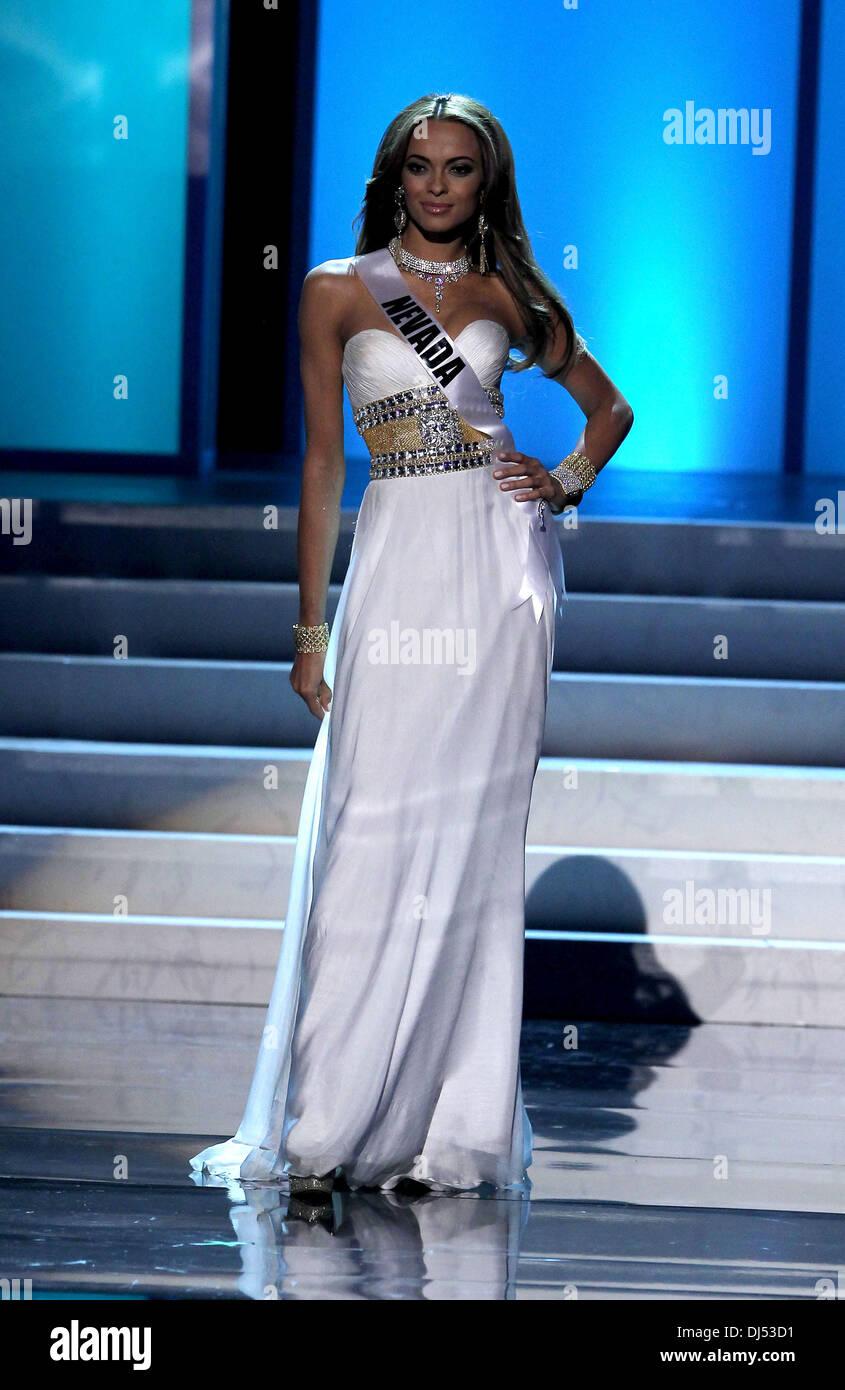 Miss Nevada Jade Kelsall during the TOPSHOP TOPMAN Las