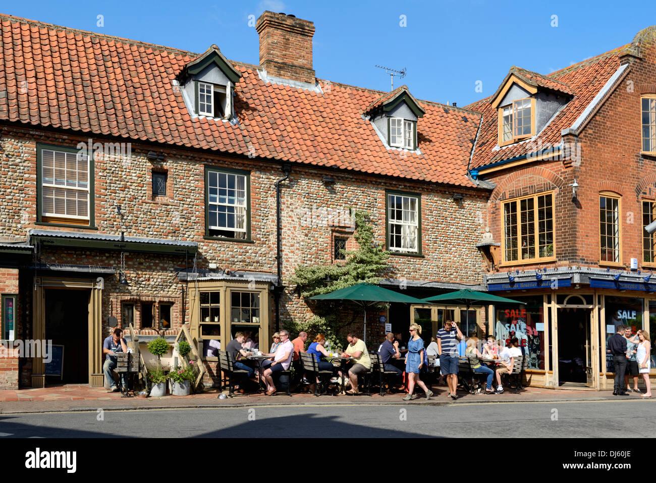 Alfresco Eating Outside A Public House Pub Shirehall Plain Holt