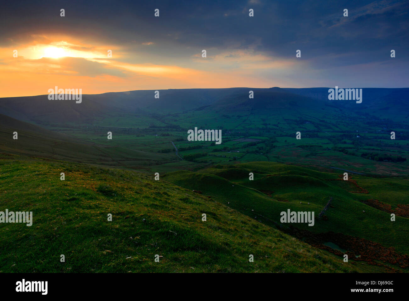 Sunset over the Vale of Edale, Edale Valley, Peak District National Park, Derbyshire Dales, England, UK Stock Photo