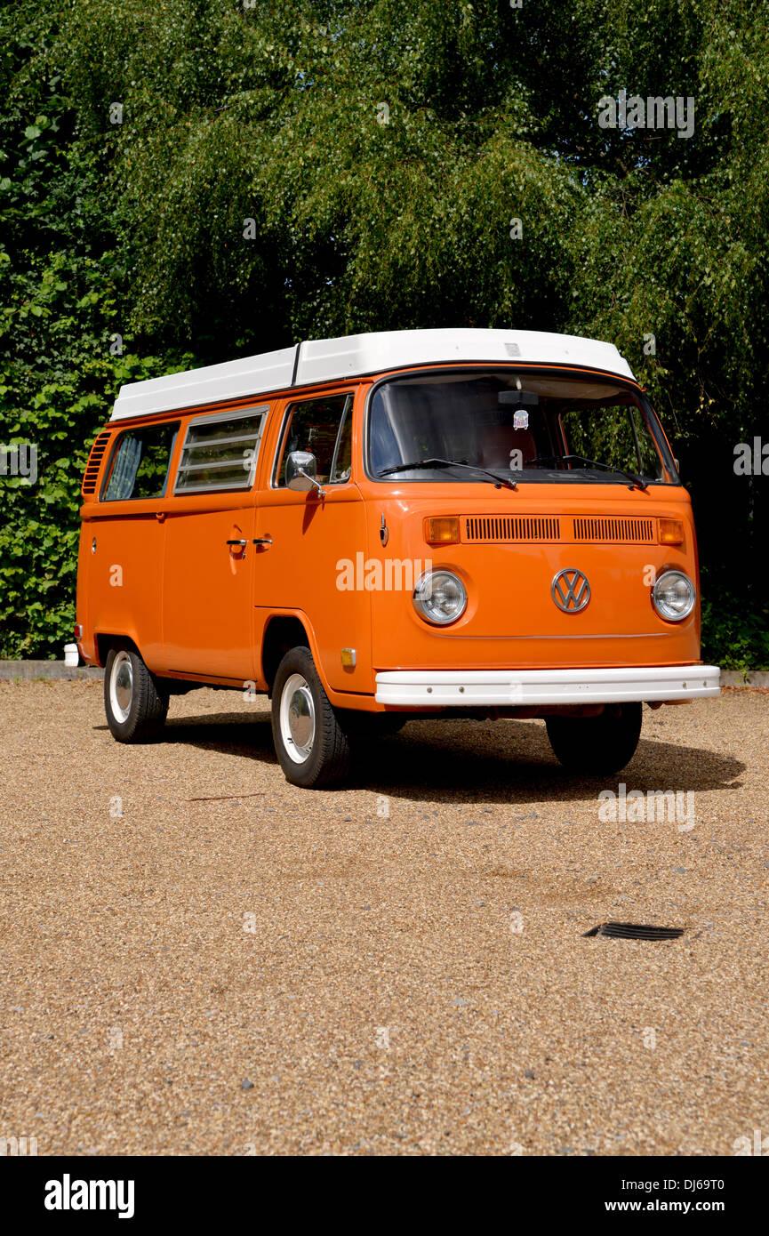 7c35573587 1974 VW Type 2 Bay window camper van (micro bus) Westfalia - Stock Image