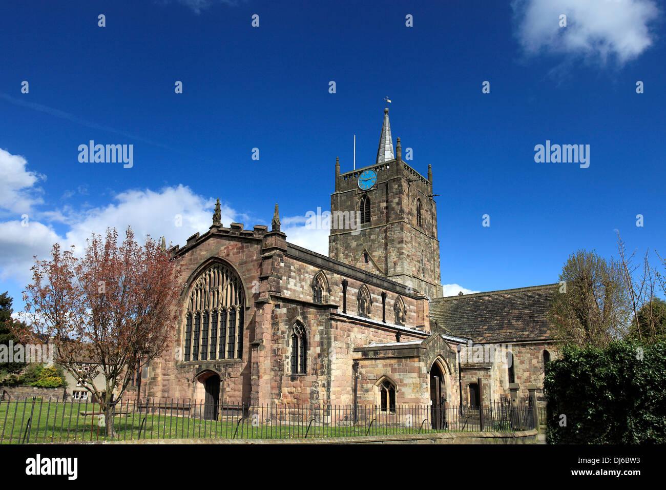 Summer view of St Marys Parish Church, Wirksworth village, Peak District National Park, Derbyshire Dales, England, UK - Stock Image