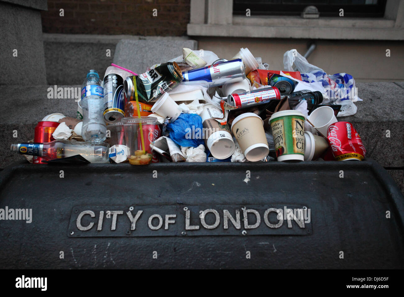 litter bin near London bridge England - Stock Image