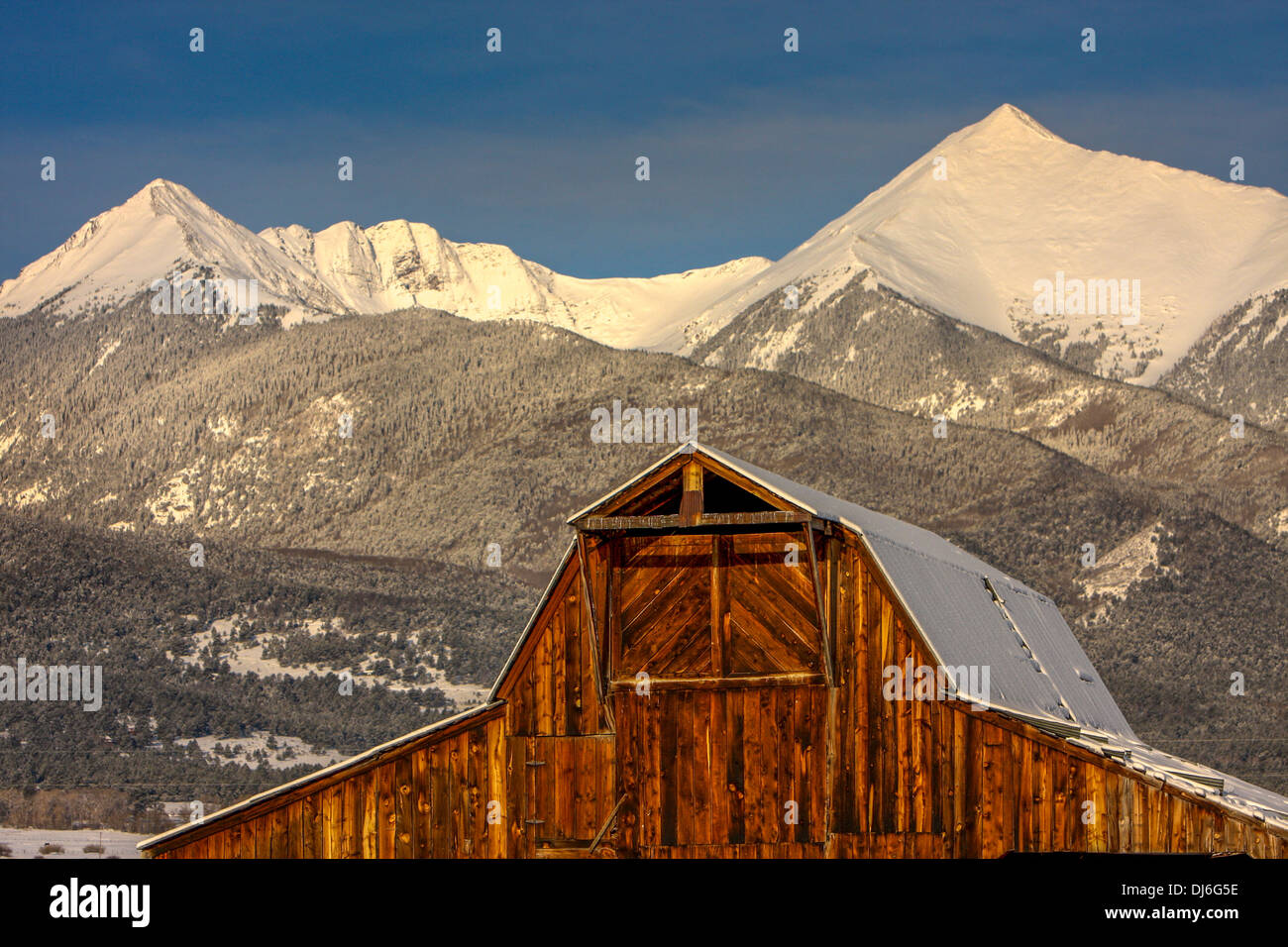 Old West Barn in Colorado Mountains - Stock Image