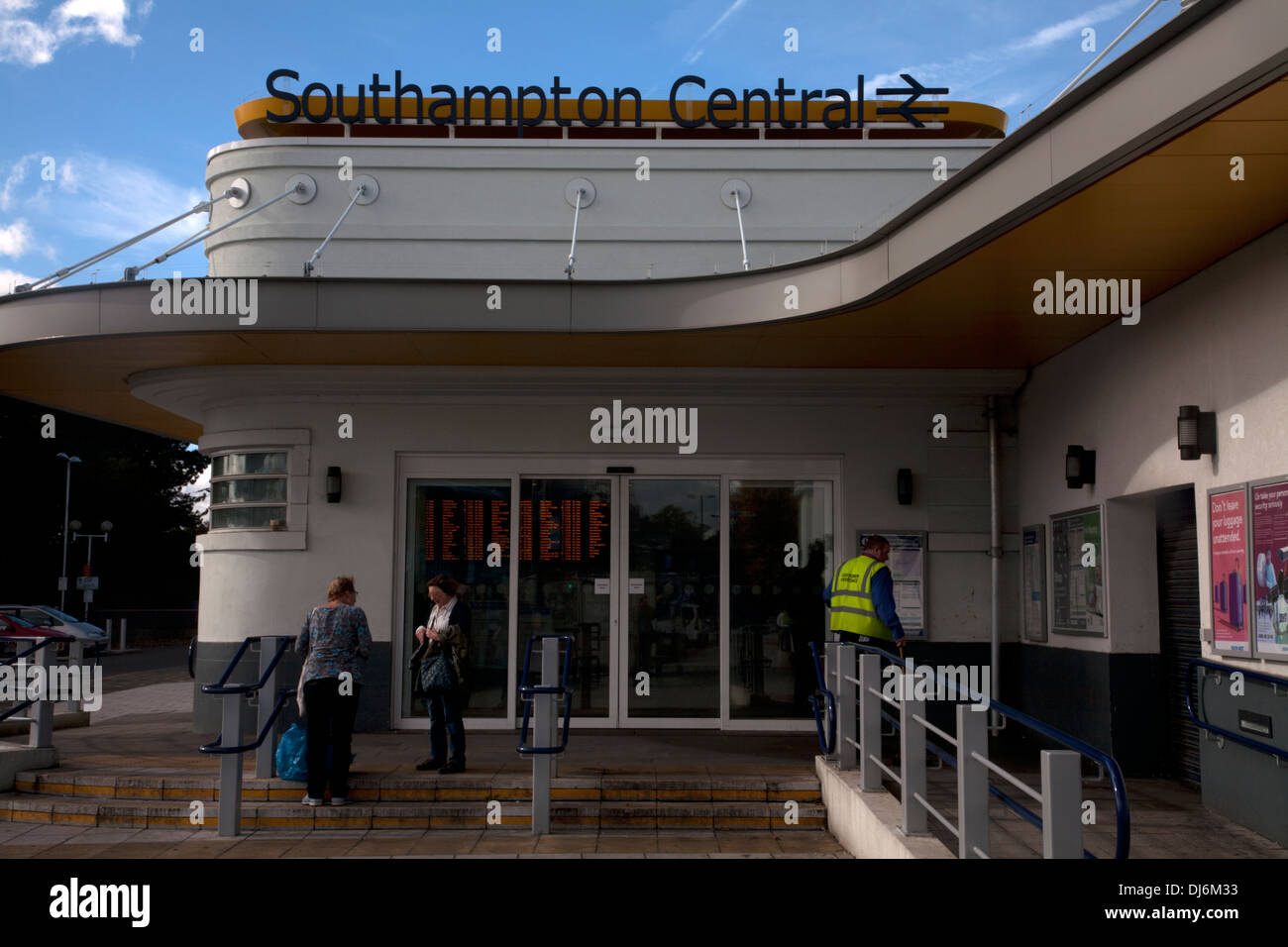 southampton central railway station southampton hampshire england - Stock Image