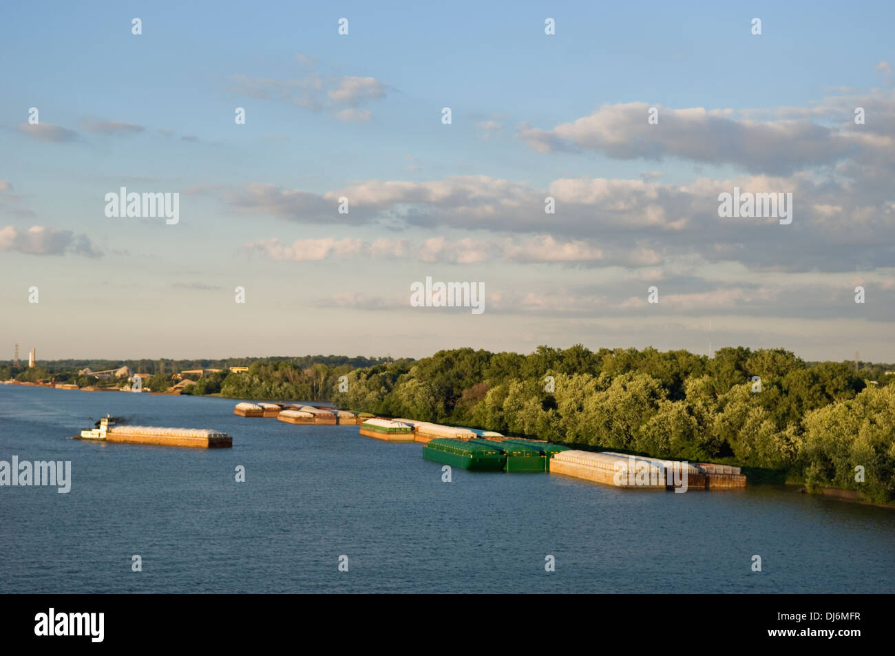 Barges on the Ohio River at Louisville, Kentucky - Stock Image
