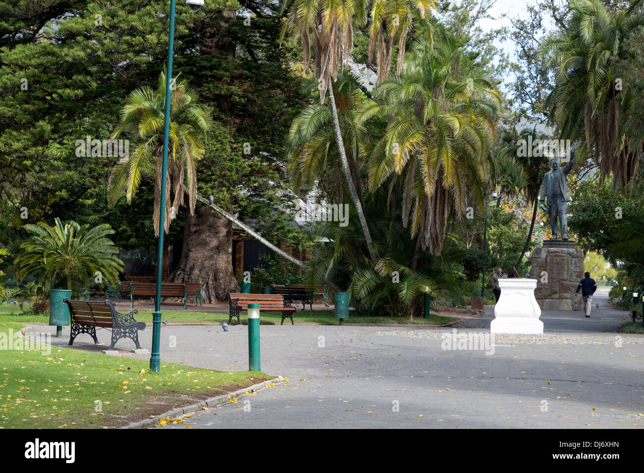 South Africa, Cape Town. Statue to Cecil Rhodes, in The Company's Garden, established by the Dutch East India Company in 1652. - Stock Image