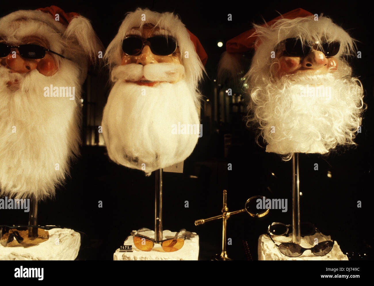 Santa Claus Mannequin Stock Photos & Santa Claus Mannequin Stock ...