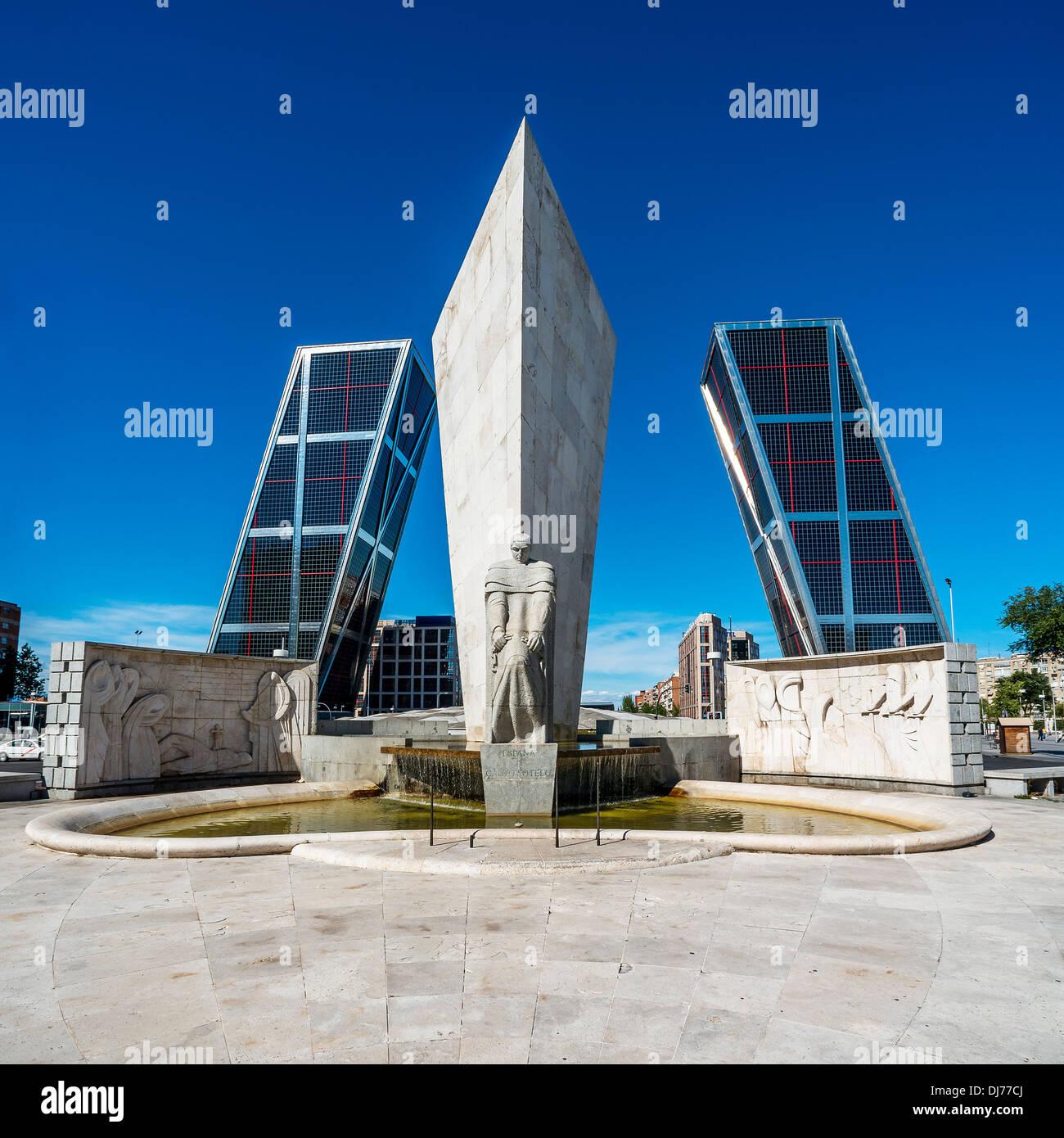 Torres Kio in Madrid (Spain) - Plaza de Castilla - Stock Image