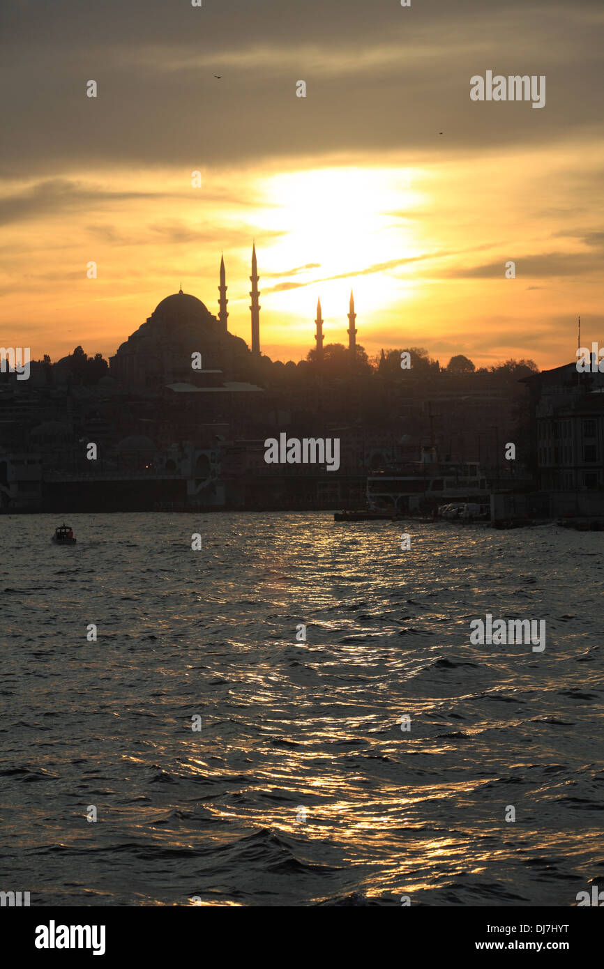 Bosphorus Golden Horn in Istanbul with Sunset and Mosque - Stock Image
