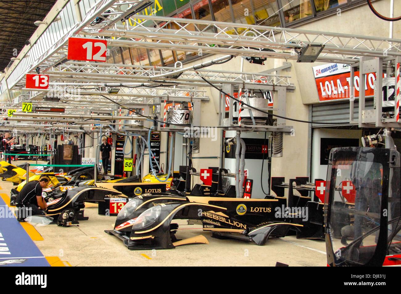 Le Mans pit garage 24 hour race France Stock Photo