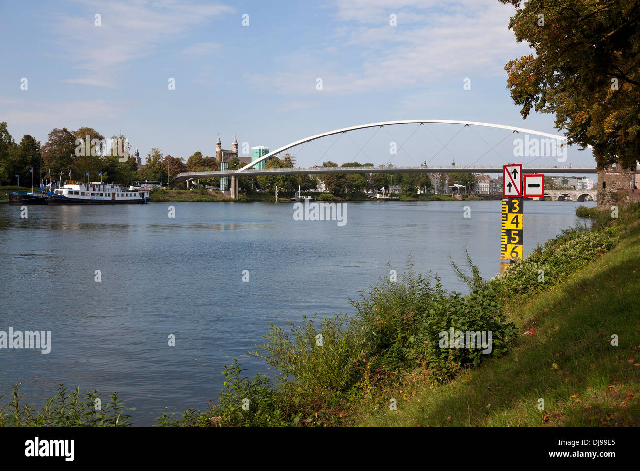The Hoge Brug, pedestrian and cycle bridge that spans the Meuse, Maastricht, Netherlands - Stock Image