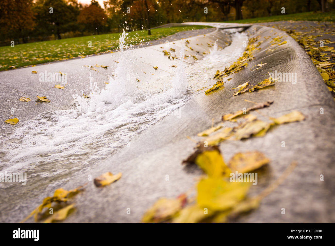 The Diana, Princess of Wales Memorial Fountain, in Hyde Park on an early November morning. - Stock Image