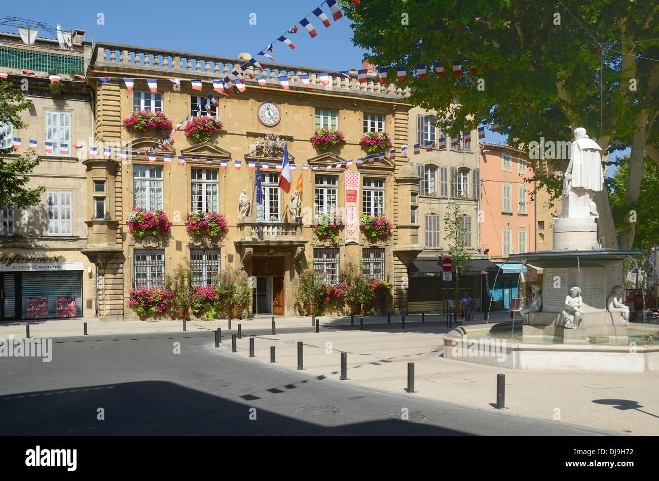 Foyer Lion Salon De Provence : Salon de provence stock photos