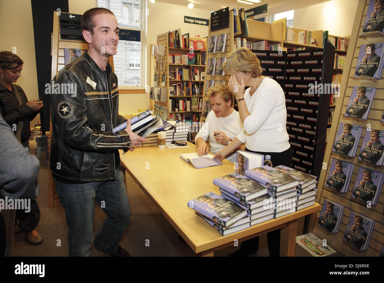 CELEBRITY BOOK SIGNINGS 2017 - YouTube