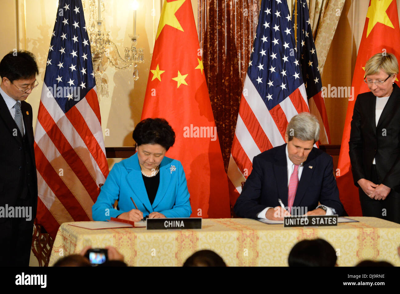 Secretary Kerry and Chinese Vice Premier Liu Yandong Sign an Updated MOU for the CPE - Stock Image