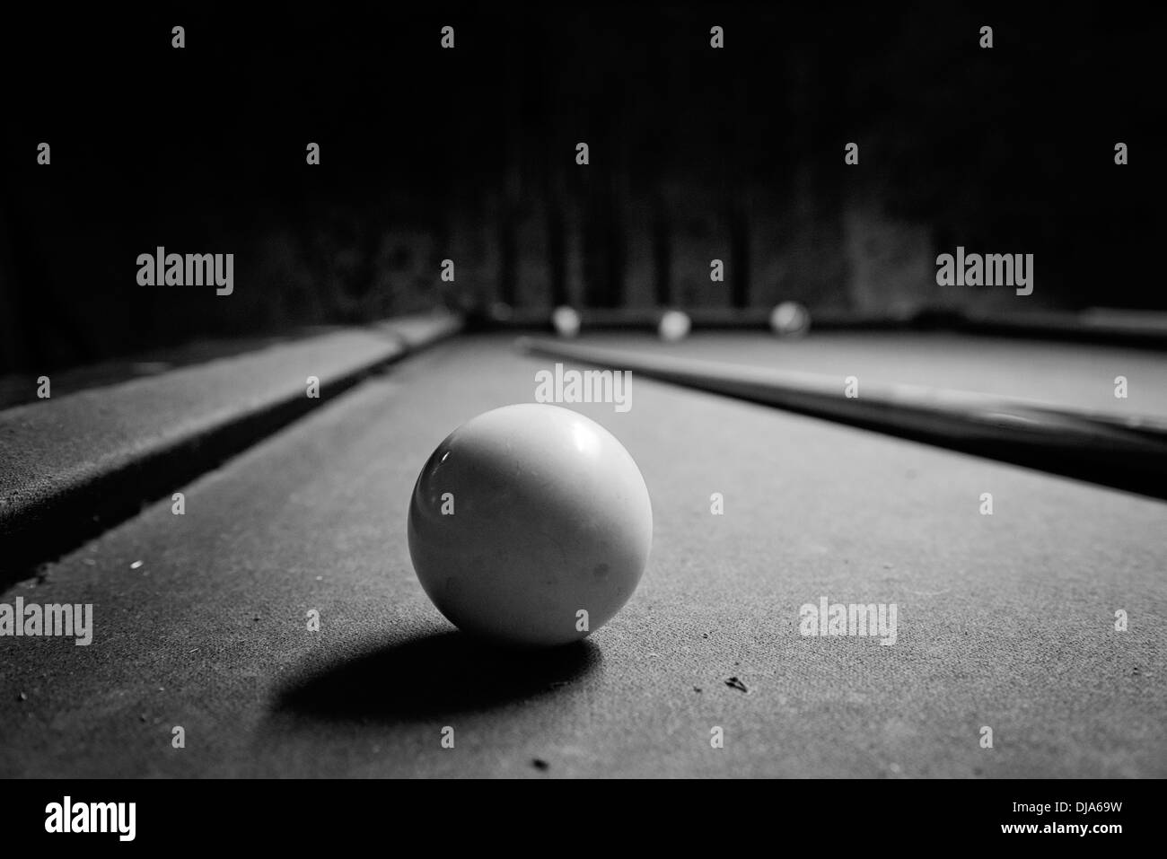 Cue Ball On A Pool Table! Shoot U0027em!