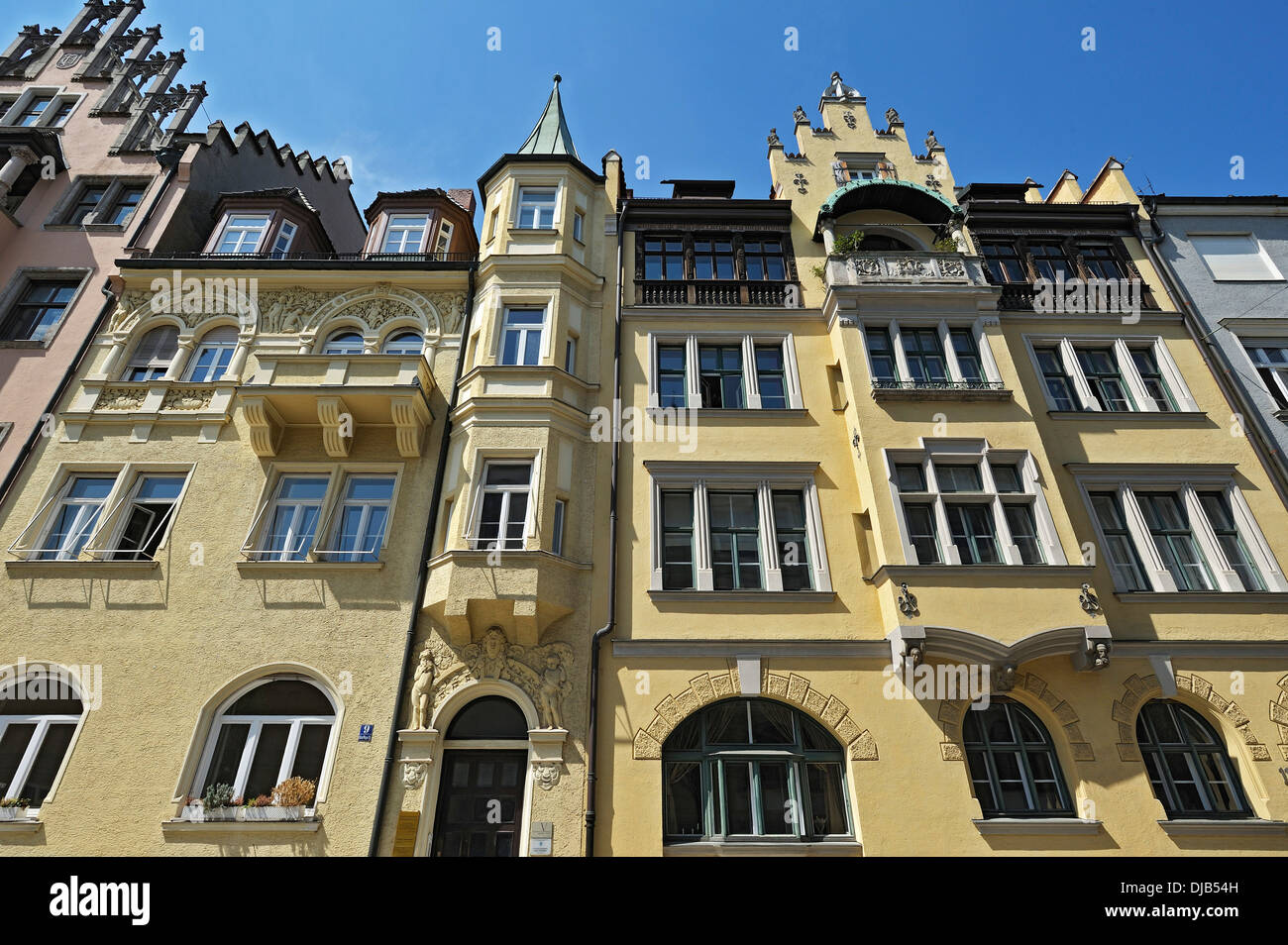 Neo-Renaissance building on Richard-Wagner-Strasse 9, left, Munich, Bavaria, Germany - Stock Image