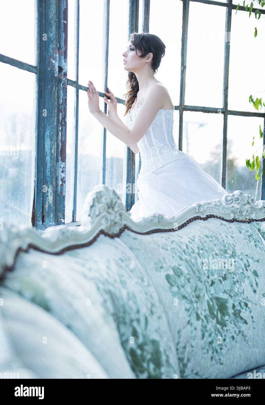 Missing bride looking for her beloved husband - Stock Image
