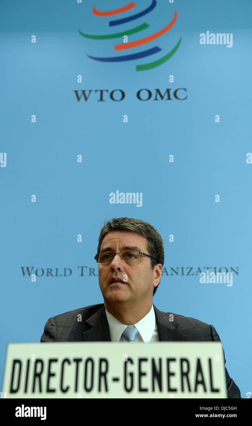 (131126) -- GENEVA, Nov. 26, 2013 (Xinhua) -- World Trade Organization (WTO) Director General Roberto Azevedo speaks during a press conference after a meeting of the organization's General Council at the WTO headquarters in Geneva, Nov. 26, 2013. Though progresses have been achieved in a large number of very difficult areas, the negotiations in Geneva on a package of global trade agreements failed to reach a set of finalized documents, said the head of World Trade Organization (WTO) Tuesday. Roberto Azevedo made the remarks at a meeting of the organization's General Council after weeks of talk - Stock Image
