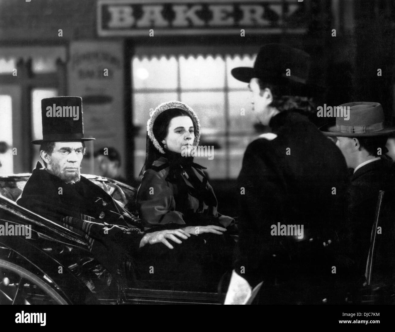 Raymond Massey and Ruth Gordon on-set of the Film, Abe Lincoln in Illinois, 1940 - Stock Image