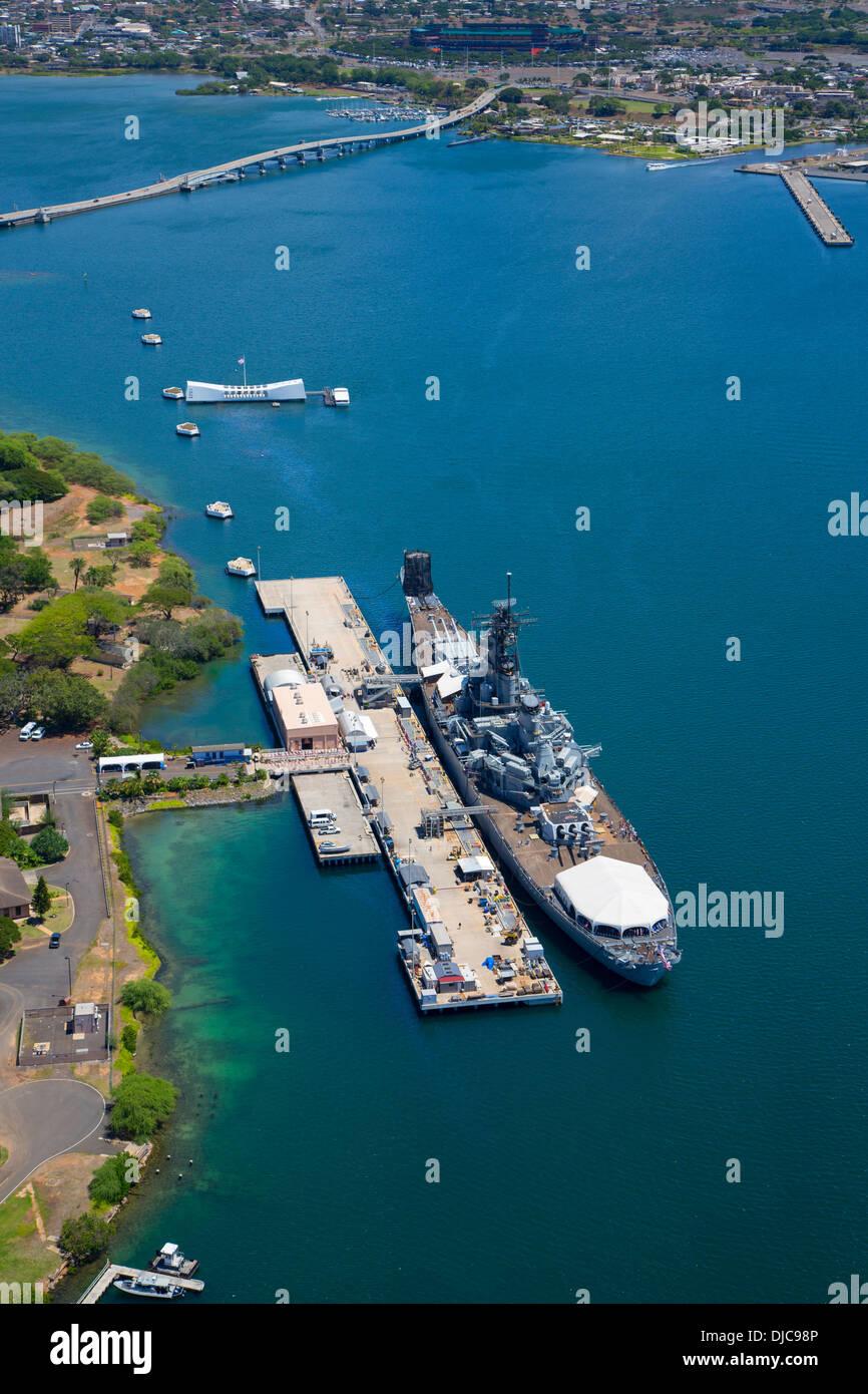 Pearl Harbor Oahu >> Uss Missouri And Uss Arizona Pearl Harbor Honolulu Oahu
