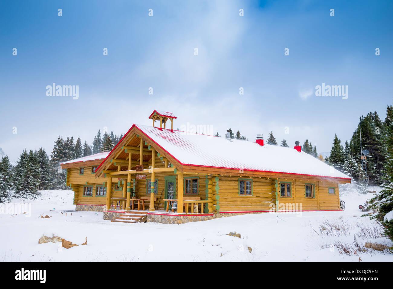 Mount Assiniboine Lodge, Mount Assiniboine Provincial Park, British Columbia, Canada - Stock Image