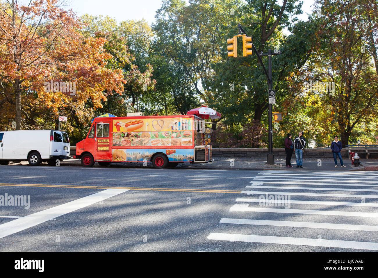 fast food van opposite American Museum of Natural History