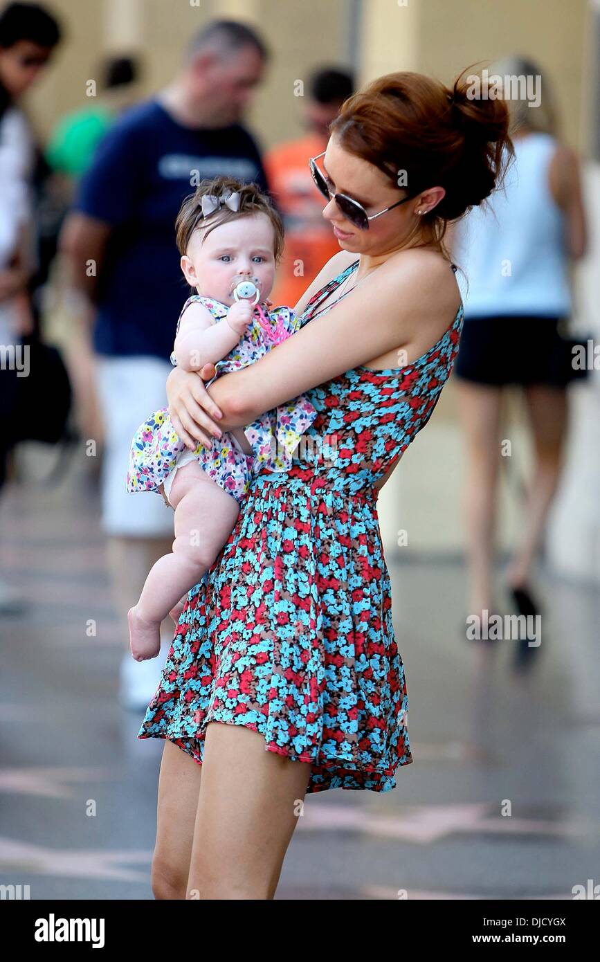 Una Healy, Aoife Belle Foden Una Healy goes sightseeing with her Stock  Photo - Alamy