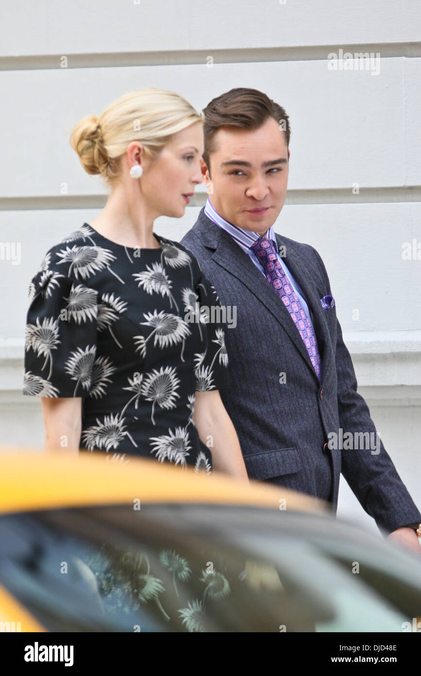 Ed Westwick and Kelly Rutherford filming on the set of 'Gossip Girl in the Upper East Side, Manhattan. New York City, USA - 17.08.12 - Stock Image