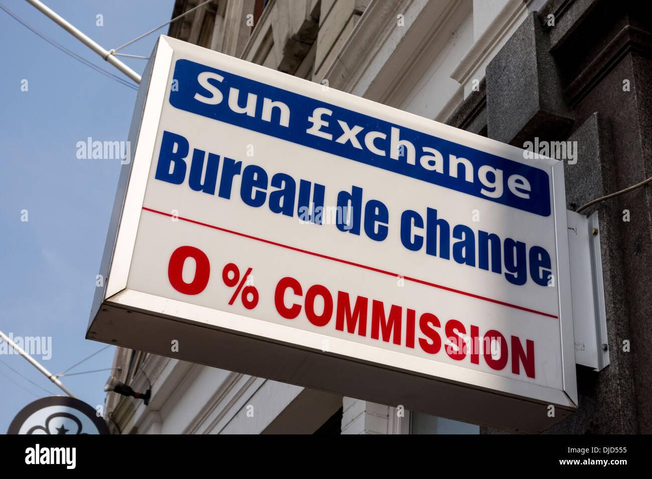 London foreign currency exchange bureau de change stock photos