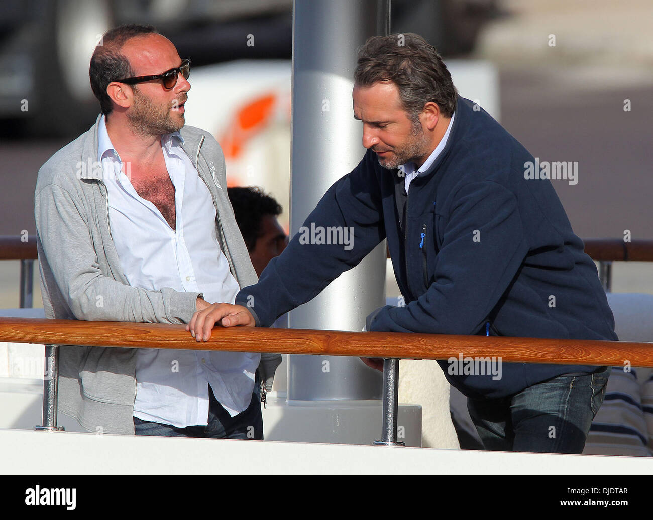 Jean Dujardin returns by boat after filming his new film 'Mobius ...