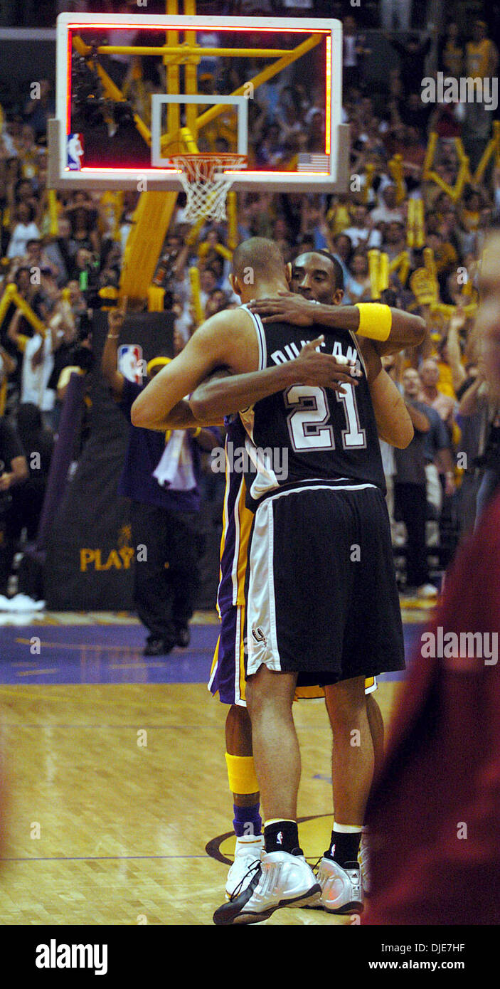 dba3c9fdd Lakers Spurs Stock Photos   Lakers Spurs Stock Images - Page 2 - Alamy