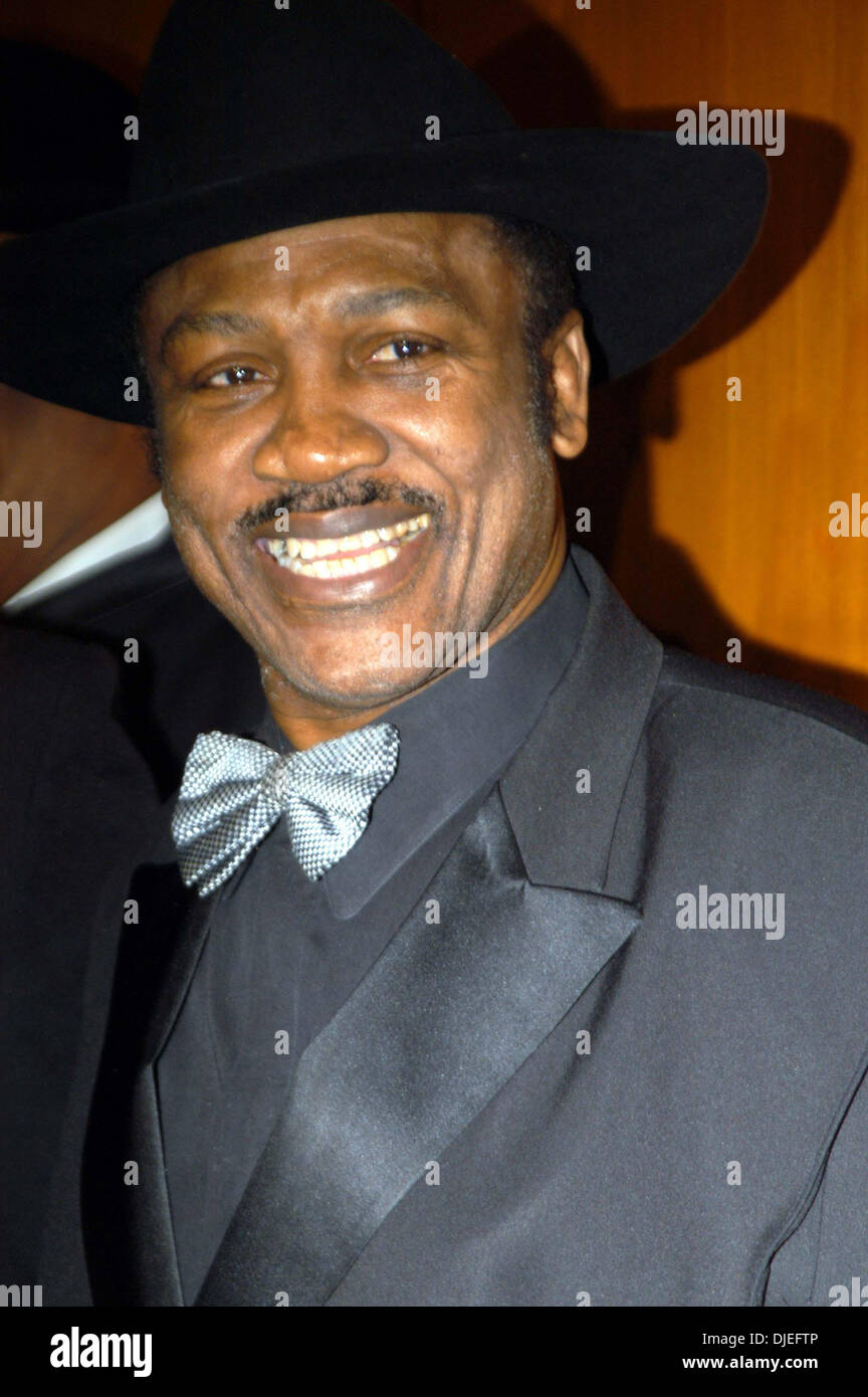Oct 14, 2004; New York, NY, USA; 'Smokin' JOE FRAZIER at the 'Gerry Cooney FIST Fights For New York' Gala at the Hilton Hotel in New York City. - Stock Image