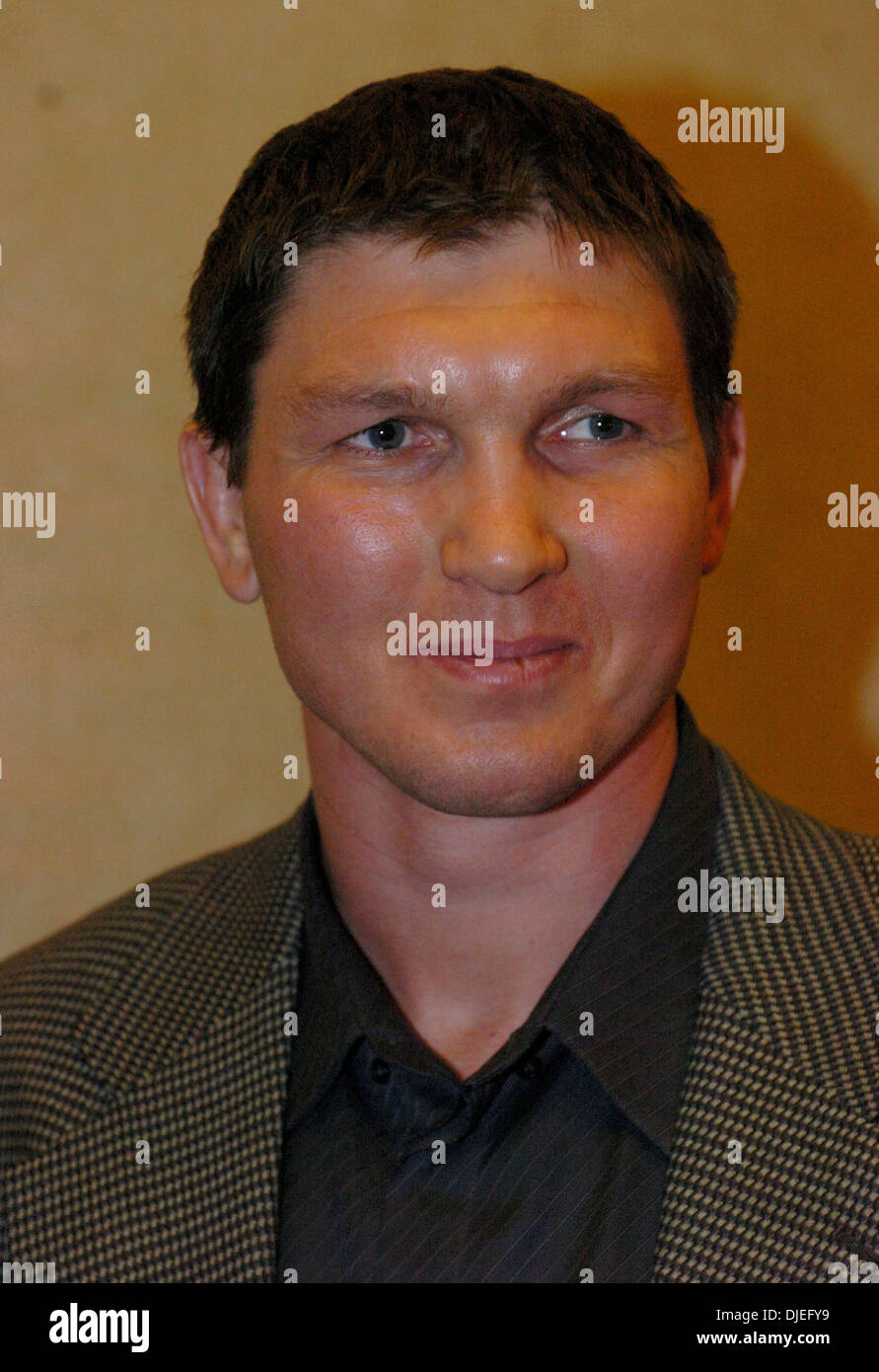 Oct 16, 2004; Commerce, CA, USA; Former IBF Cruiserweight Champion VASSILY JIROV at The 25th Annual World Boxing Hall of Fame Banquet held at The Commerce Casino. - Stock Image