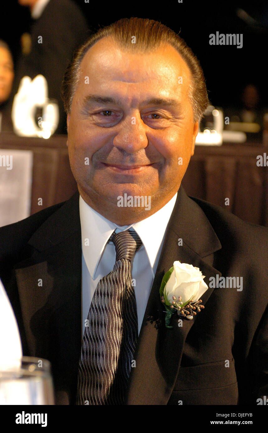 Oct 16, 2004; Commerce, CA, USA;  at The 25th Annual World Boxing Hall of Fame Banquet held at The Commerce Casino. - Stock Image