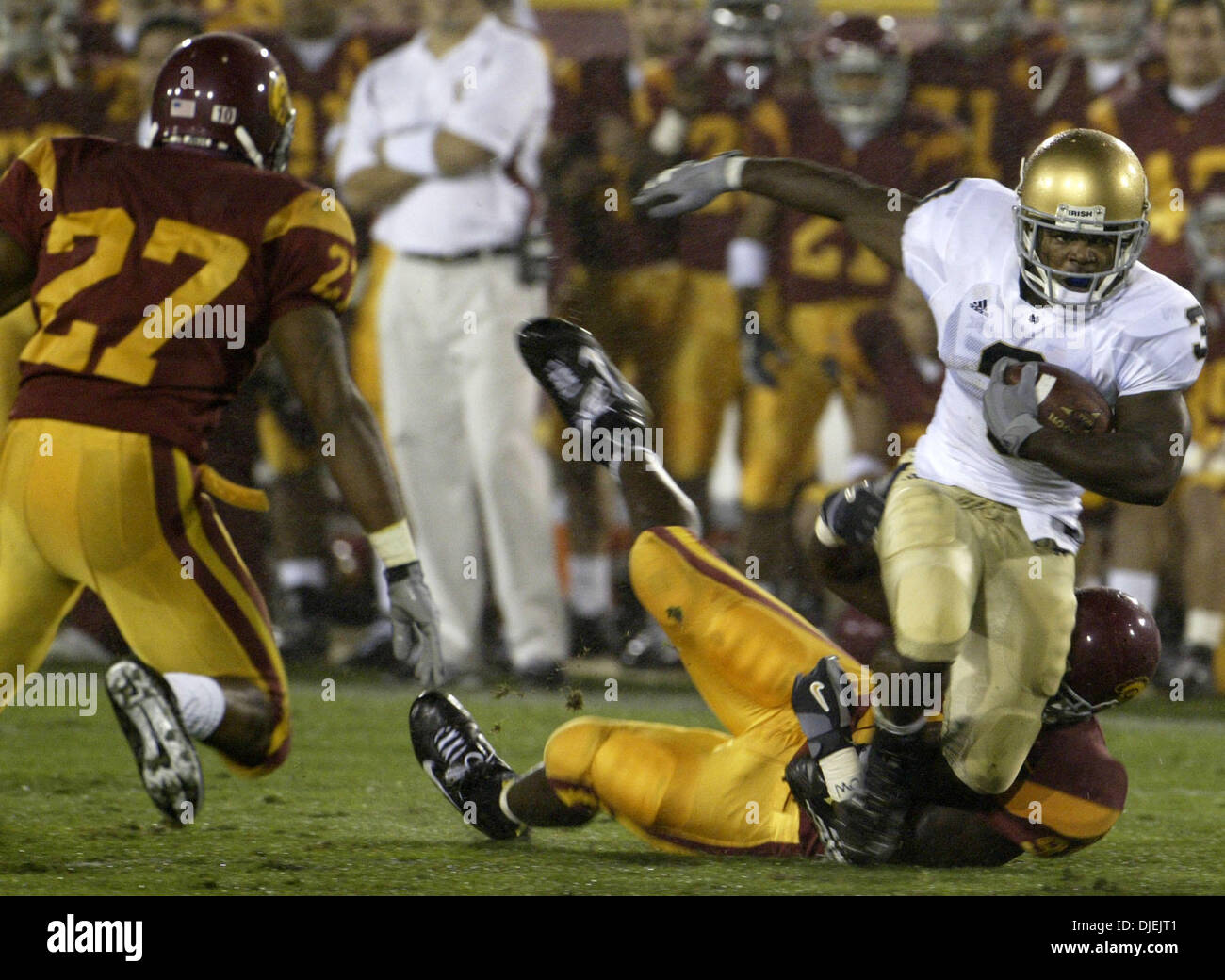Nov 27, 2004; Los Angeles, CA, USA; USC Trojans defeat Notre Dame Fighting Irish 41 to 10 during their game played at the Los Angeles Memorial  Coliseum today. - Stock Image