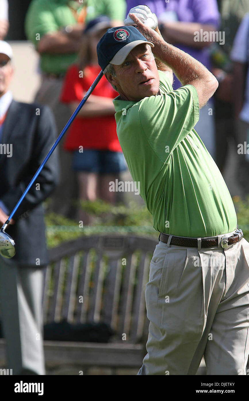 Oct 20, 2007 - San Antonio, TX, USA - BEN CRENSHAW at&t Golf Campionship at Oak Hill Golf Course. (Credit Image: © Delcia Lopez/San Antonio Express-News/ZUMA Press) RESTRICTIONS: US Tabloid Sales OUT! SAN ANTONIO and SEATTLE NEWS PAPERS OUT! - Stock Image