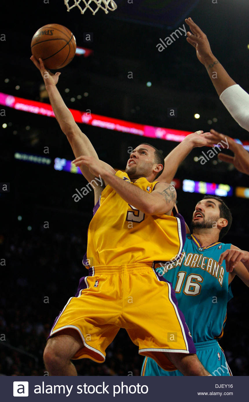 dab5677e0b6 Los Angeles Laker #5 Jordan Farmar lays the ball up at New Orleans Hornet #