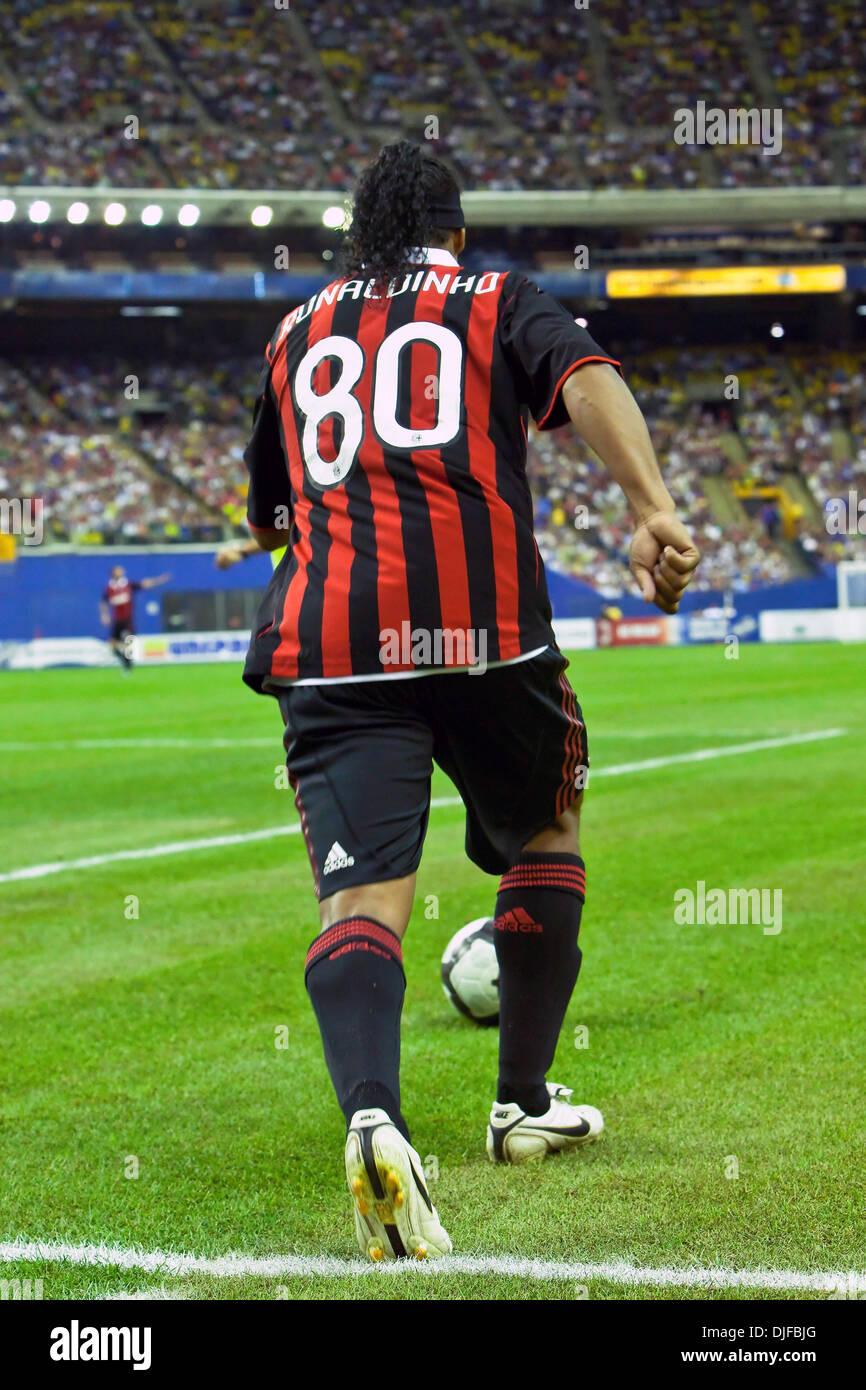 Футбол милан фото роналдиньо 80