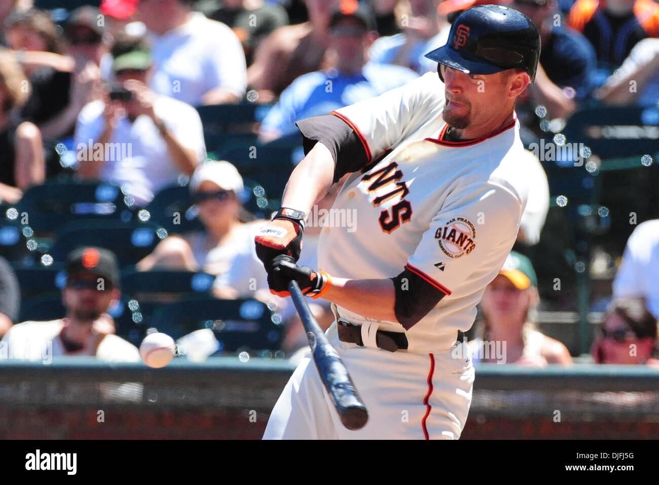 San Francisco, CA: San Francisco Giants Aubrey Huff (17) hits a home run. The Giants won the game 6-2. (Credit Image: © Charles Herskowitz/Southcreek Global/ZUMApress.com) - Stock Image