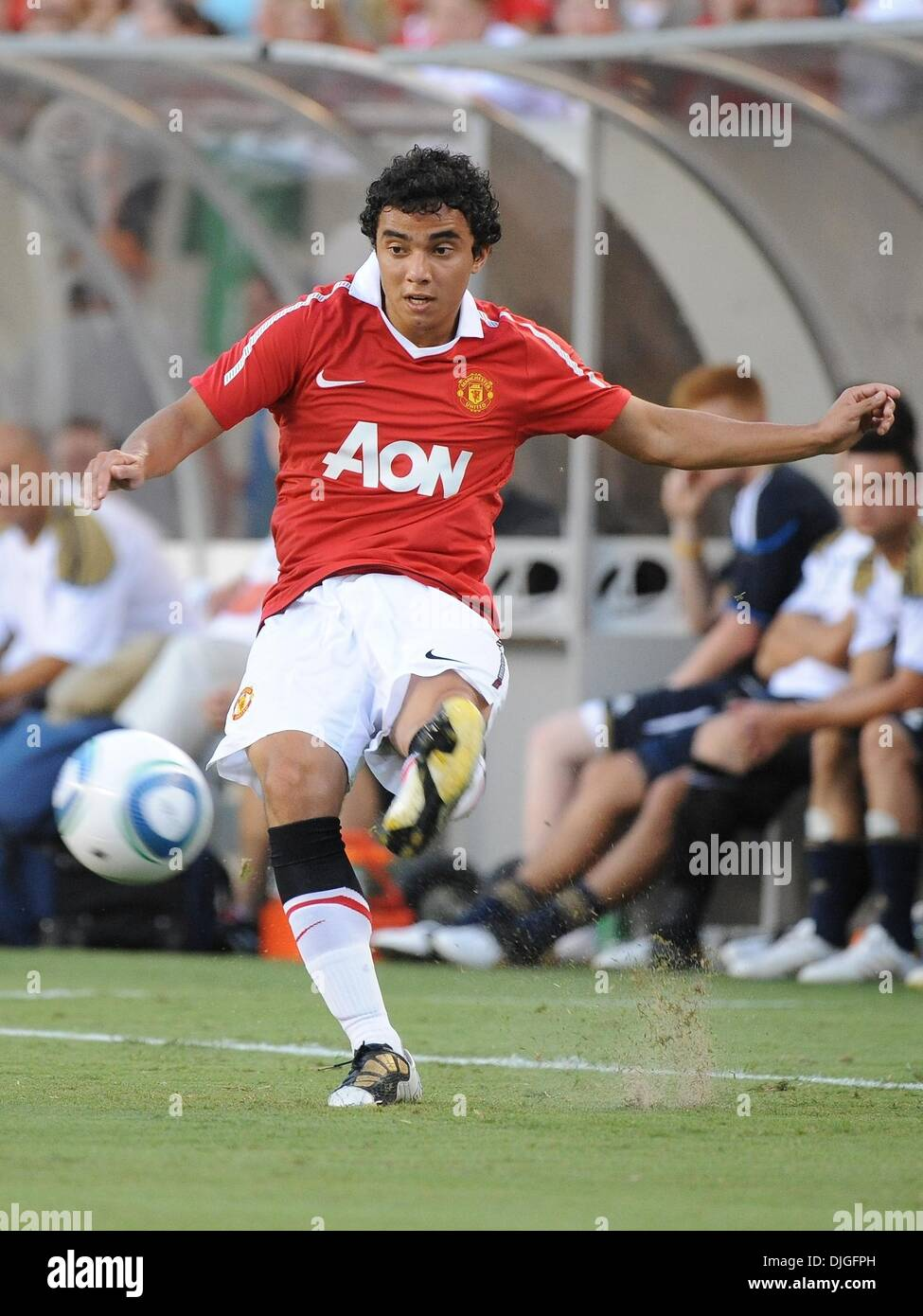 July 21, 2010 - Philadelphia, PA, United States of America - 21 July 2010 - Manchester United Defender Rafael DiSilva (#21) plays a through ball. The Eighteen times English Premier League Champion Manchester United face Major League Soccer's newest team, The Philadelphia Union, at Lincoln Financial Field in Philadelphia, PA. THe visitors won 1-0. Mandatory credit: Brooks Von Arx, J - Stock Image