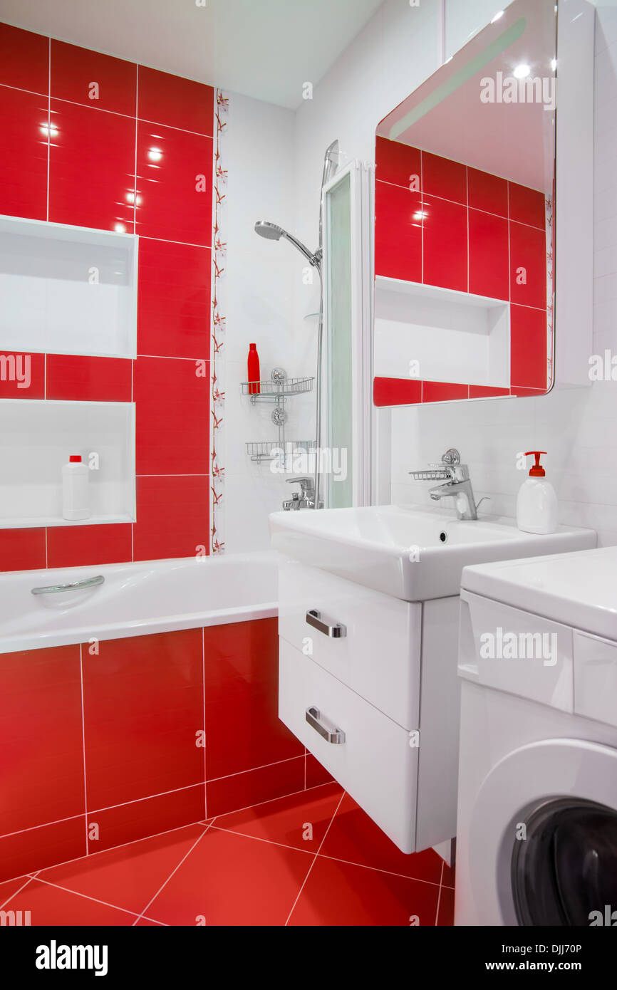 Red Bathroom Stock Photos & Red Bathroom Stock Images - Alamy