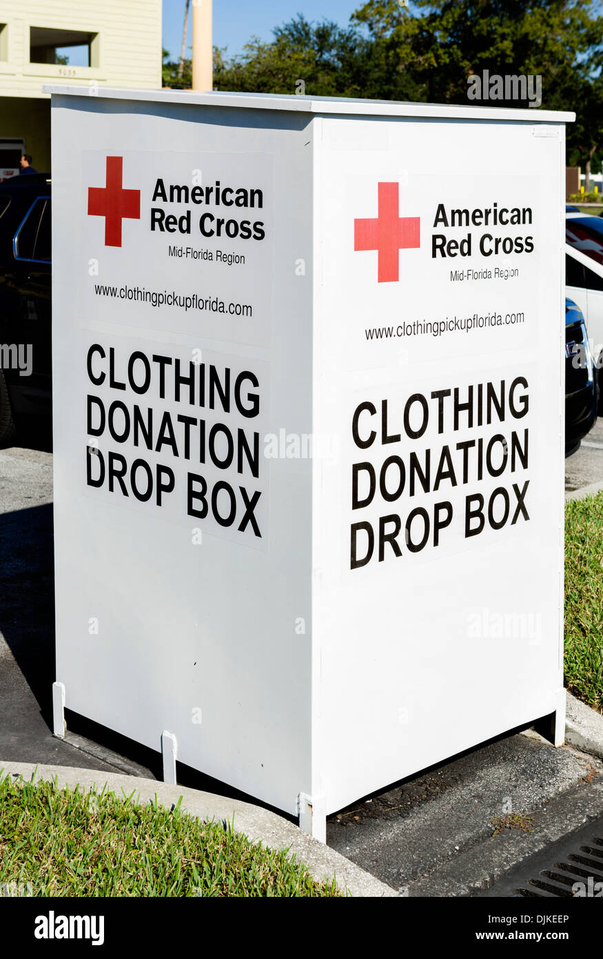 American Red Cross Clothing Donation Drop Box, Kissimmee, Orlando, Central Florida, USA - Stock Image