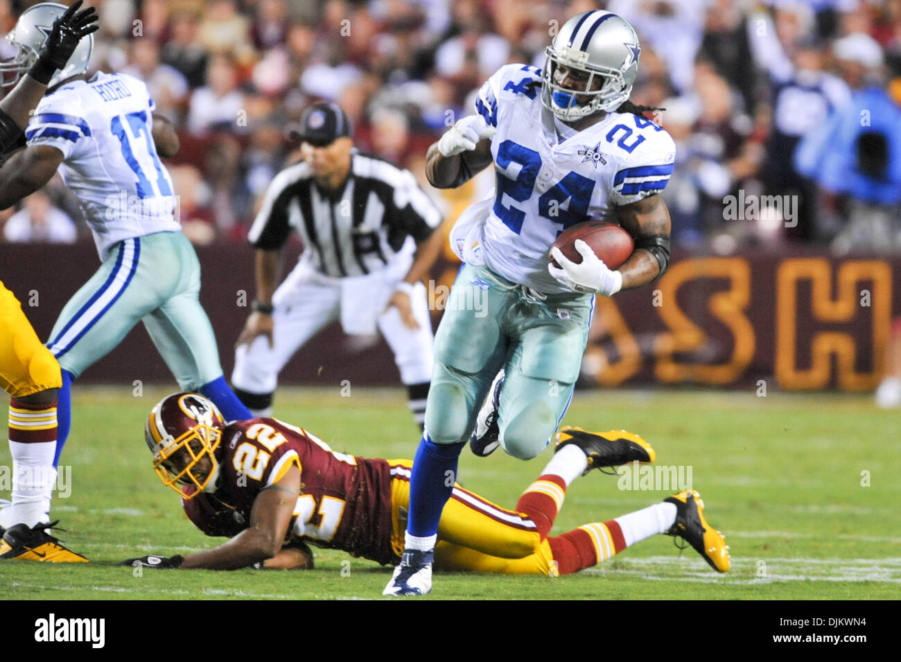 bf147c6224e Nfl Referee Stock Photos & Nfl Referee Stock Images - Page 3 - Alamy